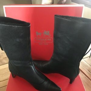 Boot -worn once- great condition